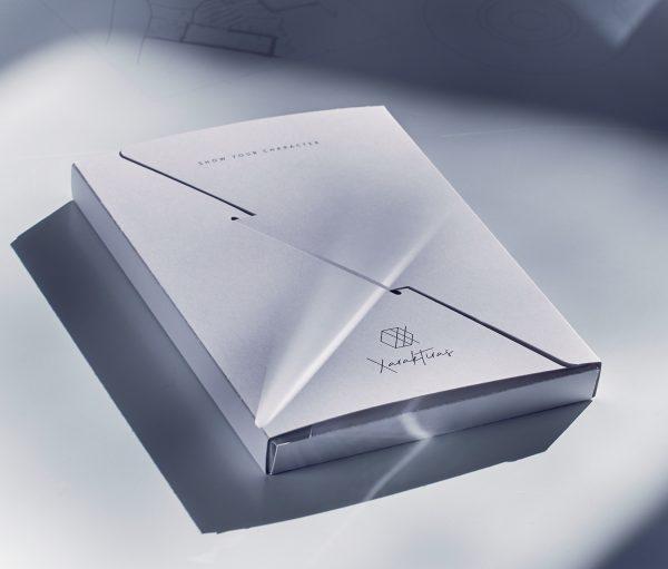 Xaraktiras Design-Notizbuch Verpackung vorne