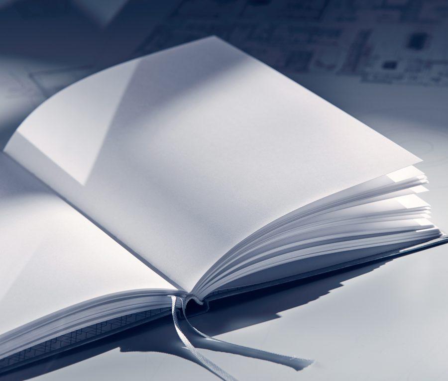 Xaraktiras Design-Notizbuch aufgeschlagen